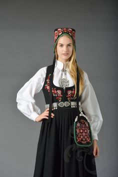 Nye Valdresbunad Ethnic Fashion, Nye, Norway, Folk, Victorian, Traditional, Beauty, Dresses, Hipster Stuff