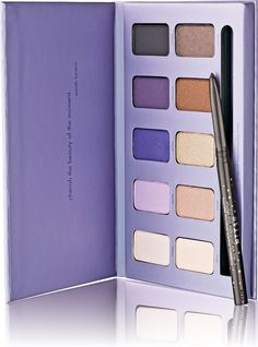 A gorgeous, palette with 10 shades of Stila's award-winning eye shadow formula that can be worn wet or dry..