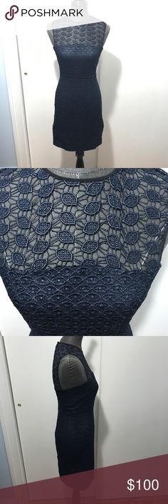 Diane von furstenberg dvf navy lace kinchu dress 4 Stunning dress in a navy with lace overlay and black piping. True to size 4. Great pre-owned condition with a few minor loose threads. Diane Von Furstenberg Dresses Midi