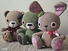 Amigurumi cuties are based on Tufty bunny - one of the most favourited toy made by lilleliis. One pattern transforms into three different animals – bunny, teddy and puppy. All are in sitting position and decorated with lovely fabric details. It is an advanced pattern which requires skills and patience, but the result is worth the effort!