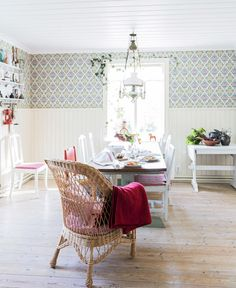 Small Cottage Interiors, Scandinavian Cottage, Chabby Chic, Beautiful Kitchens, Cottage Style, My Dream Home, Hygge, Dining Room, Architecture