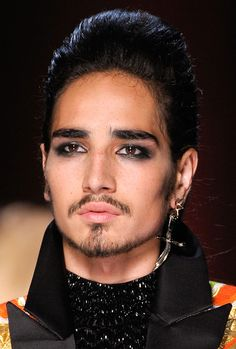 Willy Cartier at Jean Paul Gaultier Haute Couture Fall 2012 Drag King Makeup, Queen Makeup, Tribal Makeup, Goth Makeup, Pretty Men, Beautiful Men, Beautiful People, Willy Cartier, Androgynous Men