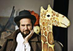 Fra i tanti artisti che si esibiranno al teatro romano ci sarà anche Vinicio Capossela