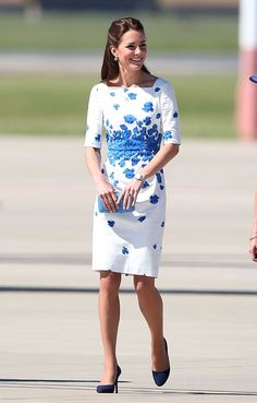 einem sonnigen Tag erstrahlte die Herzogin einem Kleid von LK   Kate Middleton hat sich in diesem Jahr selbst übertroffen   POPSUGAR Deutschland Photo 32