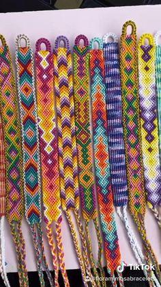 String Bracelet Patterns, Diy Bracelets Patterns, Yarn Bracelets, Bracelet Crafts, Embroidery Bracelets, Anklet Bracelet, Diy Friendship Bracelets Tutorial, Diy Friendship Bracelets Patterns, Macrame Bracelets