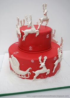 Sugar Sweet Cakes and Treats: Christmas Reindeer Cake (christmas baking ideas cookies awesome) Christmas Sweets, Noel Christmas, Christmas Baking, Christmas Cakes, Reindeer Christmas, Christmas Wedding, White Reindeer, White Christmas, Elegant Christmas