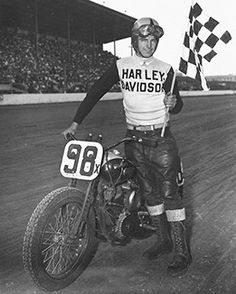 Dirt track racer Joe Leonard wins the AMA Grand National Championship. Over the next eight years, the Grand National Championship will be won by Harley-Davidson racers. Harley Davidson History, Classic Harley Davidson, Harley Davidson Chopper, Vintage Harley Davidson, Harley Davidson Motorcycles, Vintage Motorcycles, Flat Track Motorcycle, Flat Track Racing, Indy Car Racing
