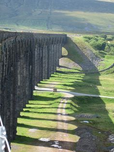 Ribblehead Viaduct, North Yorkshire. Increase your understanding. http://youtu.be/bK7NUdh01WY                                                                                                                                                     More