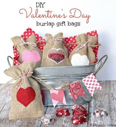 DIY Valentine's Day Burlap Gift Bags #burlap #Valentines #giftbags #DIY #treatbags