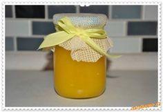 CITRONOVÝ DŽEM.....VÝBORNÝ!!! 250g ml. cukru, 1 celé máslo, kůra ze 2 citronů a šťáva ze 3 citronů, rozpustit nad vodní lázní, pak přidat 3 rozšlehaná vejce, stále míchat dokud džem nezhoustne...dát do skleniček a zavřít. Home Canning, Spice Mixes, Preserves, Pickles, Herbalism, Frozen, Food And Drink, Smoothie, Homemade