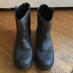 R2 gray booties size 7 R2 gray booties with stud detail. Size 7 R2 Shoes Ankle Boots & Booties
