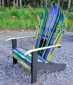 I don't ski but this garden chair looks cool at Adventures in Upcycling and more! Décor Ski, Ski Et Snowboard, Ski Chalet, Adirondack Chairs, Outdoor Chairs, Mountain House Decor, Ski Decor, Upcycled Home Decor, Repurposed Items