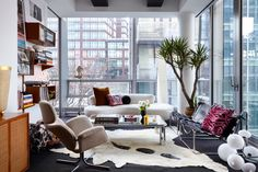 Jessie Schuster's Manhattan Apartment Used to Look Like the Inside of a Spaceship