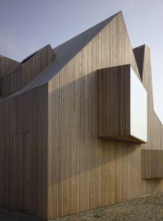 Bierings House in Utrecht, The Netherlands by Rocha Tombal Architecten