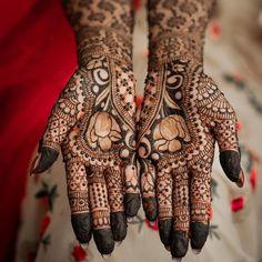 Lotus Floral Motif Bridal Mehndi Designs, Henna Designs, Flower Designs, Mehendi Simple, Mehndi Party, Wedding Rituals, Wedding Scene, Rangoli Designs, Mandala Design