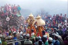 अद्भुत देव परंपरा : जब हजारों लोगों के बल से भी नहीं हिला देवरथ