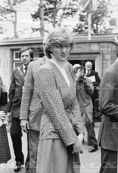 May Lady Diana Spencer during the visit to Tetbury, Gloucestershire. Diana Memorial, Diana Williams, Hm The Queen, Photo Stock Images, Before Marriage, Royal Engagement, Lady Diana Spencer, First Photograph, Walkabout