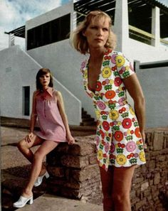 || Desert Lily Vintage || 1972, The floral dress is adorable.