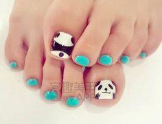 Panda toe nails