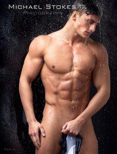 Bryant Wood d'America's Next Top Model intégralement nu !