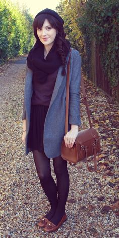 Love the simplicity of this vintage outfit.