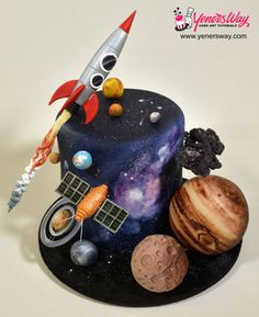 Space Themed Fondant Scenery Cake - Cake by Yeners Way - Cake Art Tutorials Fancy Cakes, Cute Cakes, Beautiful Cakes, Amazing Cakes, Amazing Birthday Cakes, Cake Birthday, Solar System Cake, Science Cake, Science Party
