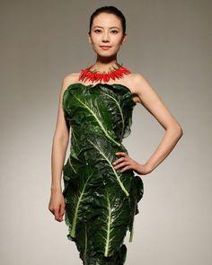 Gao-Yuanyuan-wearing-vegetables-dress