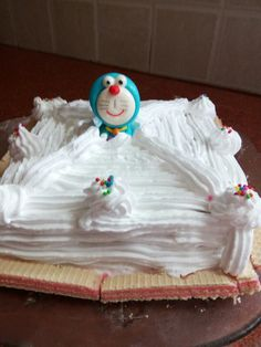Yummy Vanilla cake with doremon doll