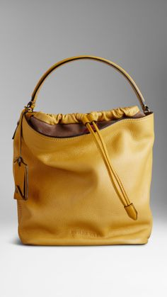 Mittelgroße Hobo-Tasche aus Leder in Brit Check | Burberry