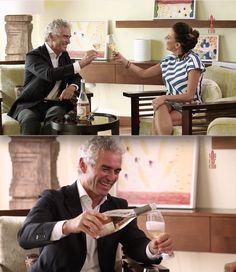 """Tamara Trapez intervista Lorenzo Canella nel programma della tv portoricana """"Sin Corcho"""" per la presentazione del nuovo Rosè brut Metodo Martinotti. Novembre 2016."""