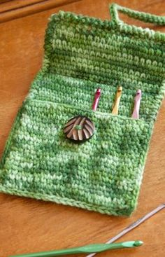 Crochet case for hooks