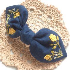 【受注生産いたします。】刺繍リボンのバレッタ・ブルー