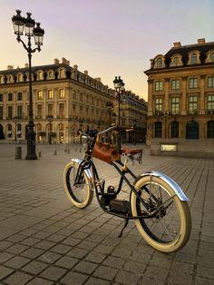 Royal Roadster Paris at Place Vendôme Motorized Bicycle, Electric Bicycle, Bicycles, Bike, French, Paris, Veils, Electric Push Bike, Bicycle