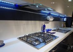 """Futuro Futuro WL36SHADE Wall Mount In-Cabinet / Under-Cabinet Range Hood with 940 CFM Internal Blower, 4-Speed Whisper-Quiet Fan, 2 Halogen Work Lights, Slide-Out Glass Panel and Convertible to Non-Ducted Operation: 36"""" Width"""