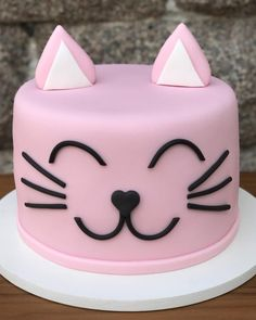cat birthday cake for cats party ideas - cat birthday cake for cats _ cat birthday cake for cats party ideas _ cat cake for cats birthday parties Kitty Party, Cat Themed Parties, Birthday Parties, Birthday Cards, Kitten Cake, Birthday Cake For Cat, Animal Cakes, Cute Cakes, Celebration Cakes