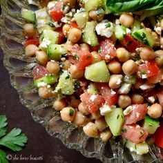 Easy Summer Chickpea Salad | potluck at ohmyveggies.com