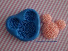 A Minnie mould! For chocolate & fondant or clay, cold porcelain & resin. Fácil de usar y muchos usos!