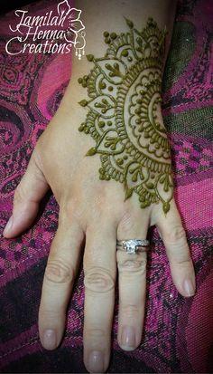 half mandala henna www.jamilahhennacreations.com