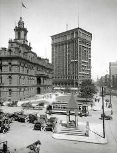 Bustling Detroit - 1910