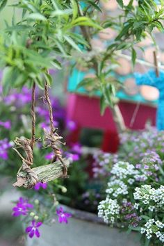 Fairy Garden Swing www. Fairy Garden Swing www. Mini Fairy Garden, Fairy Garden Houses, Gnome Garden, Dream Garden, Fairy Gardening, Container Gardening, Fairy Village, Deco Nature, Ideas Hogar