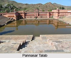 Khetri Nagar located in Rajasthan has been popular for the association of Maharaja Ajit Singh with Swami Vivekananda. It has many famous tourist places. To explore visit the page. #travel #history #rajasthan #royal