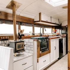 Van Conversion Kitchen, Van Conversion Interior, Bus Conversion, Bus Living, Tiny House Living, School Bus Tiny House, Short Bus, Van Home, Bus Life