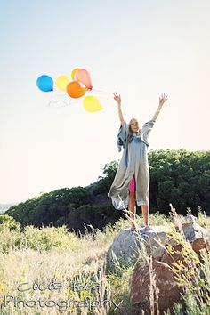 Senior Pictures - Balloon release!