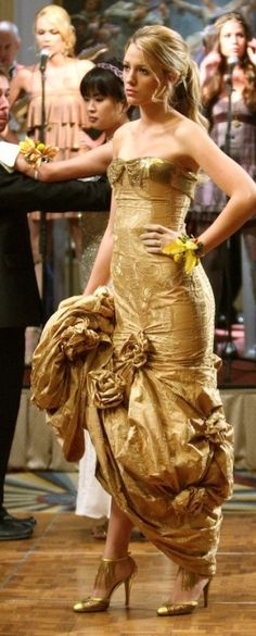 Who made Blake Lively's gold dress that she wore on Gossip Girl?