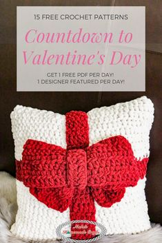Crochet Ideas Join the Crochet Valentine's Day Countdown to get 15 Free Crochet Pattern PDFs, each day one when 1 designer is featured! Each crochet designer is featured for 24 hours when you get a free pdf pattern from them. All Free Crochet, Crochet Home, Love Crochet, Learn To Crochet, Crochet Crafts, Crochet Projects, Crochet Ideas, Crochet Pillow, Crochet Stitches