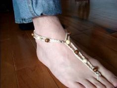 http://www.mikeyssmail.com Original idea of wearing barefoot sandals or invisible sandals is a wonderful beach wear idea. Show off your hot bod, great tan, and accessorize your body with natural looking jewelry. When your feet are exposed on the hot sand, why not add this accessory that can be made for less than one dollar. Feel hot, look great,...