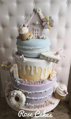 Sweet Cake by Rose Cakes kuchen ostern rezepte torten cakes desserts recipes baking baking baking Crazy Cakes, Fancy Cakes, Fondant Cakes, Cupcake Cakes, Fondant Bow, 3d Cakes, Fondant Tutorial, Fondant Flowers, Fondant Figures