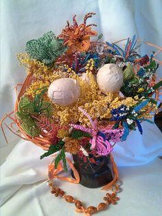 Bouquet en PERLES de rocaille, la Magie du Printemps pour le DÉFI de MARS : Accessoires de maison par lecureuillecreative