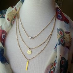 Necklace {3 layers.1 piece.gold}