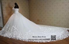 vestidos de novia corte princesa con cola larga - Buscar con Google